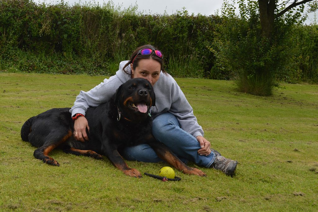 Kate Hesse, chartered physiotherapists specialising in the Thoroughbred racehorse and her dog Bear